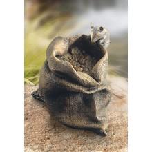 Maus auf Körnersack - Bronze
