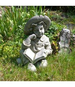 """Steinfigur """"Junge mit Buch"""" mit Antik-Patina für den Landhausgarten"""