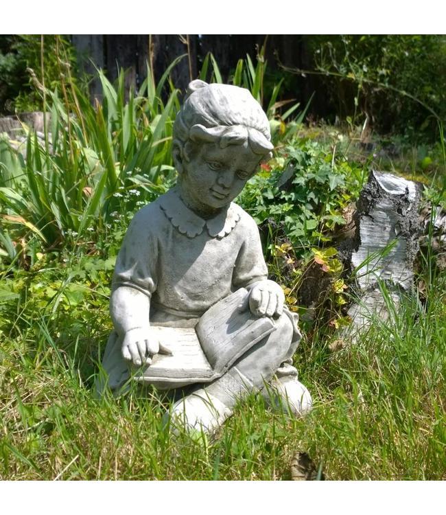 Anna mit Buch - Schöne Steinfigur für den Garten