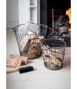 Set mit 2 Feuerholzkörbe im Landhausstil