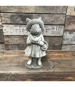 """Steinfigur """"Mrs. Rabbit"""" mit Antik-Patina für den Landhausgarten"""