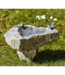 Patric Rottenecker Schwarzwald-Vogeltränke mit Sockel und Bronzevögel