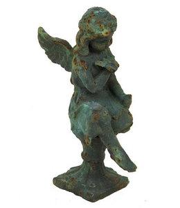 Landhaus Gartenfigur Engel mit Schmetterling