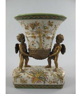 Landhaus Porzellanvase mit Engeln aus Messing