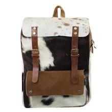 Taschen im Landhausstil Vintage Rucksack Kuhfell