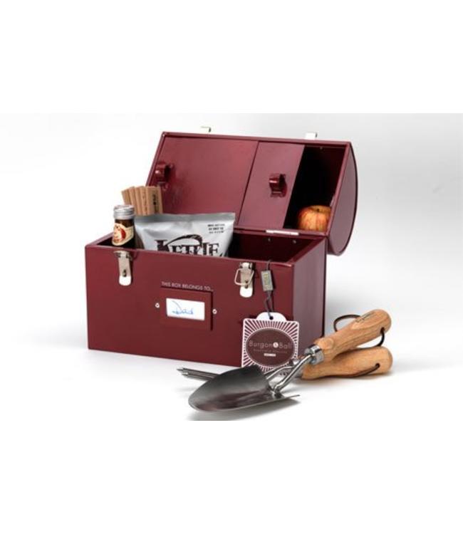 aufbewahrungsbox f r garten accessoires tool tuck box. Black Bedroom Furniture Sets. Home Design Ideas