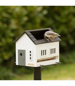 Vogelhaus mit integrierten Vogelbad