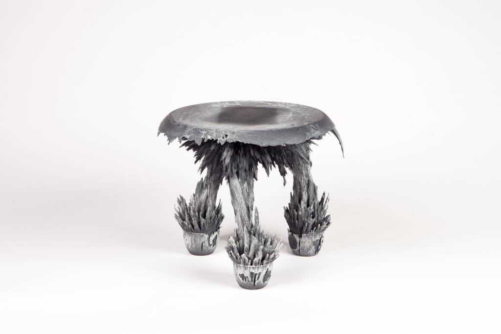 Gravity Stool - Black & white