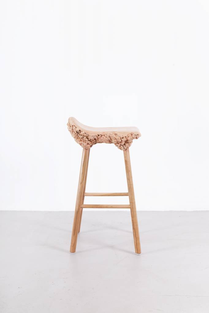 Well Proven Stool Medium