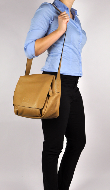 Peter Kent New York crossbody bag camel