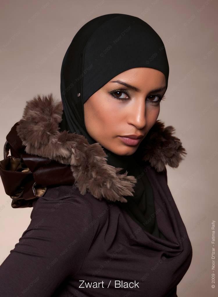 Noor D*Izar Suraya hoofddoek - Zwart