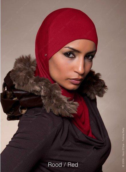 Noor D*Izar Suraya - Rood
