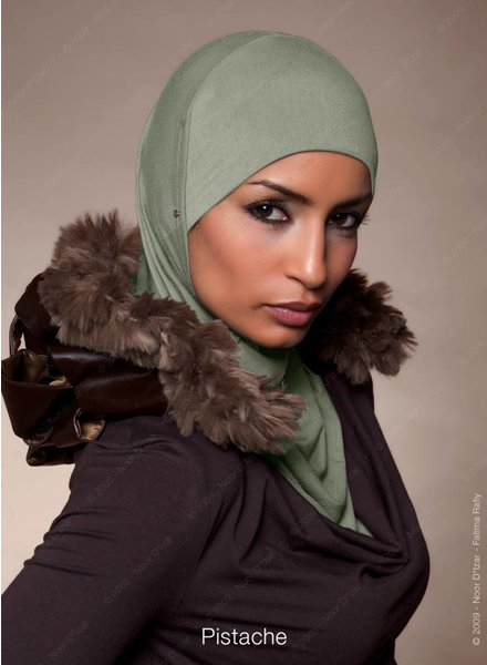 Noor D*Izar Suraya - Pistache