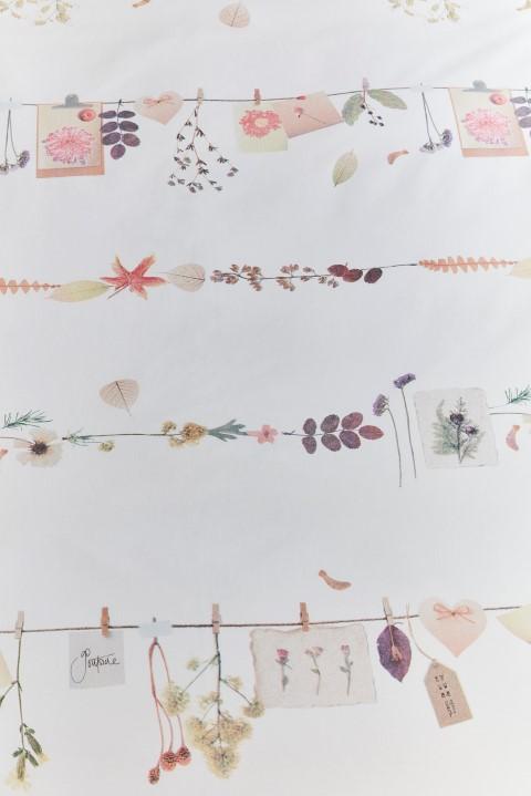 Detail Floral Garland