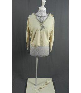 Elly Italia Kurz-Pullover hellbeige mit Kaputze und Spitzenstoff
