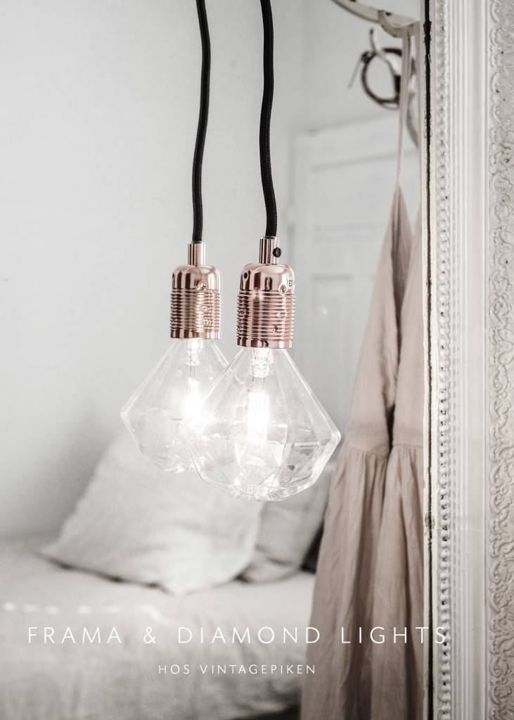 Lámpara colgante de diamantes Frama visto en vintagepiken.no