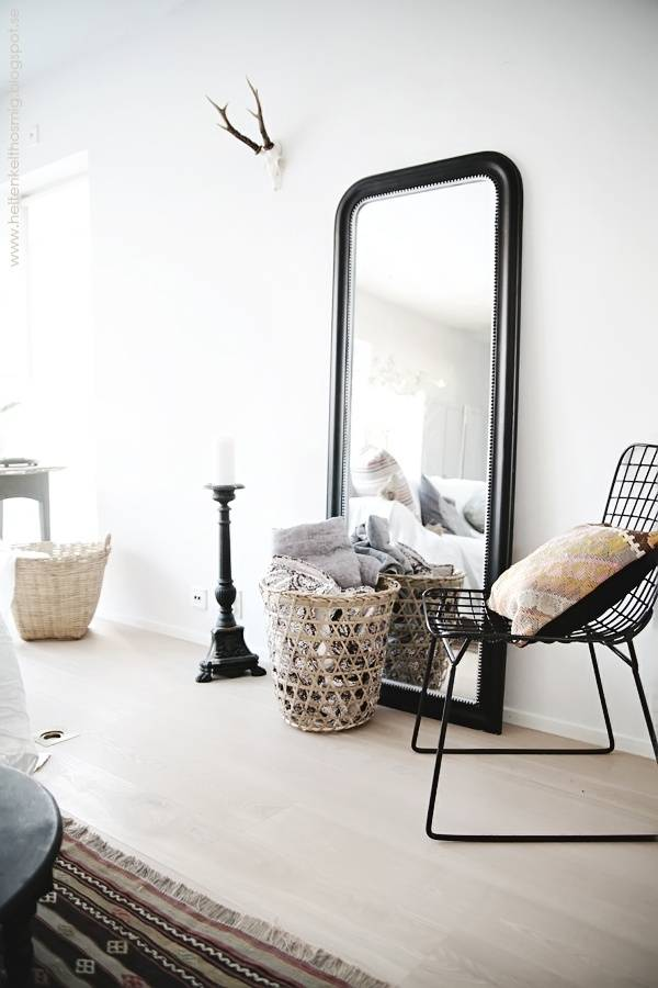 les miroirs de grande taille sont tendance source pinterest petite lily interiors. Black Bedroom Furniture Sets. Home Design Ideas