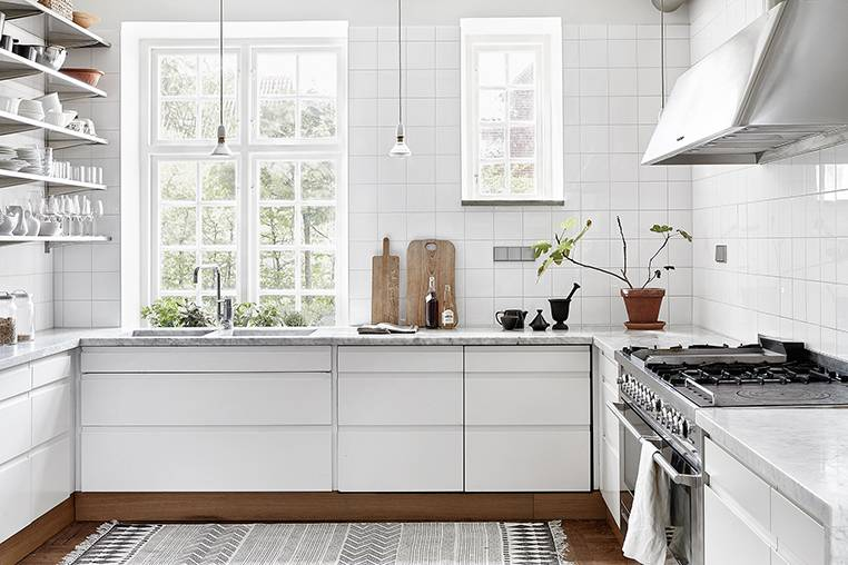 A kitchen Scandinavian style seen on dustjacket-attic.com