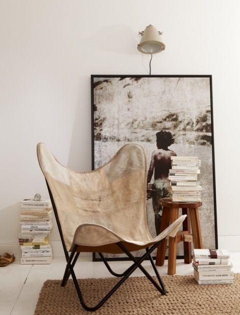 style vintage avec fauteuil papillon vu sur feem interior design sweden french by design et. Black Bedroom Furniture Sets. Home Design Ideas