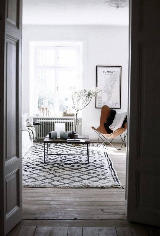 Scandinavian decor with gray bedding - Seen on Pinterest - Copy