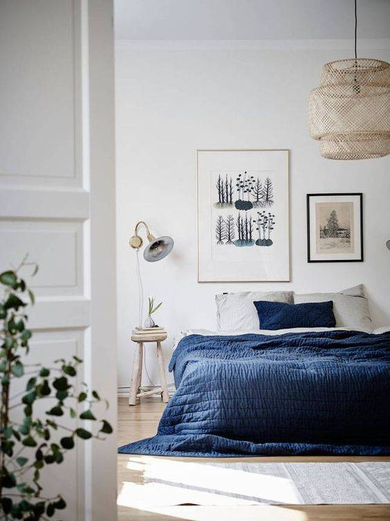 Scandinavian decor with gray bedding - Seen on Pinterest - Copy - Copy - Copy