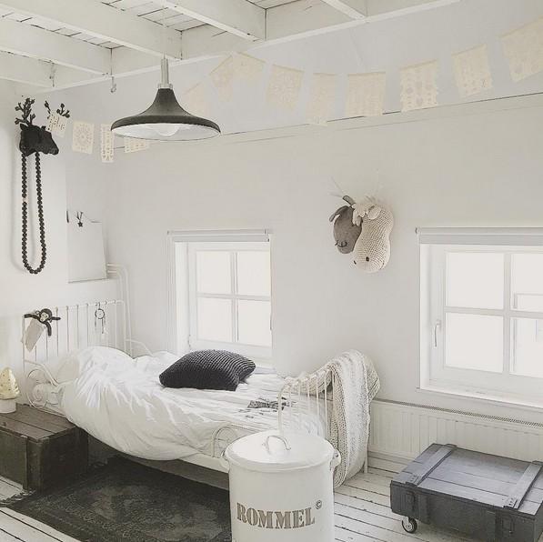 Scandinavian decor with gray bedding - Seen on Pinterest - Copy - Copy - Copy - Copy