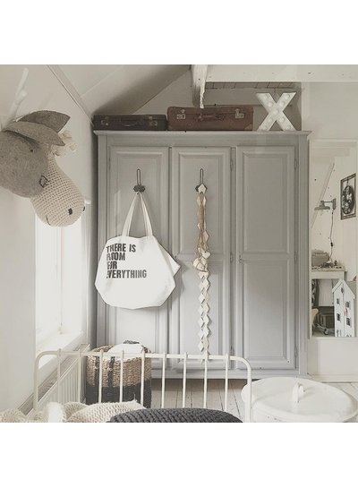 Scandinavian decor with gray bedding - Seen on Pinterest - Copy - Copy - Copy - Copy