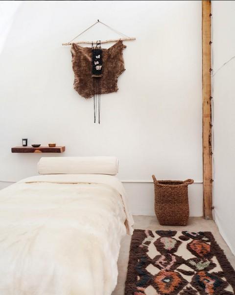 Ambiente perfecto y étnico en este Boho Chic Spa en Los Ángeles - visto en Intagram @thenowmassage