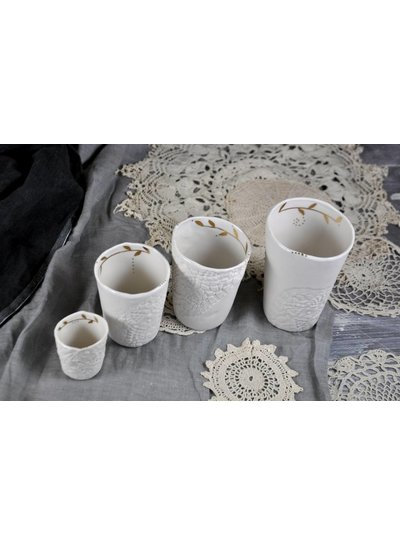 Myriam Ait Amar Ceramics White ceramic cup engraved and gilded - Myriam Ait Amar Ceramics