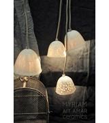 Myriam Ait Amar Ceramics Lampe en céramique avec intérieur gravé - motif dentelle - Myriam Ait Amar Ceramics