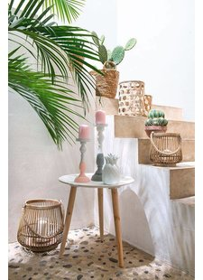 Sweet outdoor decoration with lots of cactuses and bamboo decoration items - seen on Pinterest