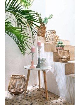 Décoration extérieure relaxante avec des cactus et des accessoires en bambou- vu sur Pinterest