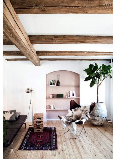 A feminine soothing decor with a touch of dusty pink - French by Design and Planete deco
