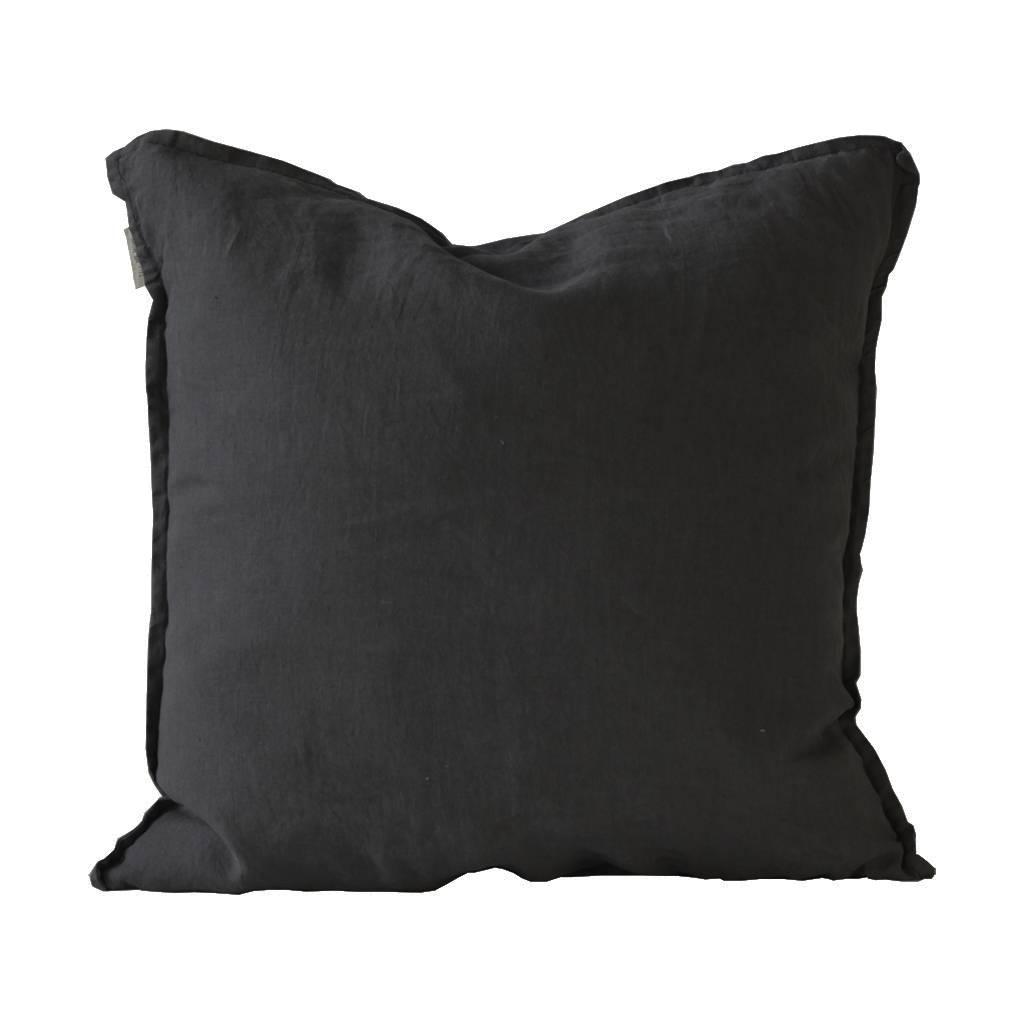 tell me more housse de coussin 100 lin noir 50x50cm tell me more petite lily interiors. Black Bedroom Furniture Sets. Home Design Ideas