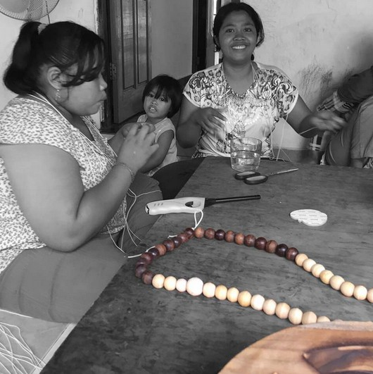 MaduMadu Peace Mala - bois - 30cm - MaduMadu