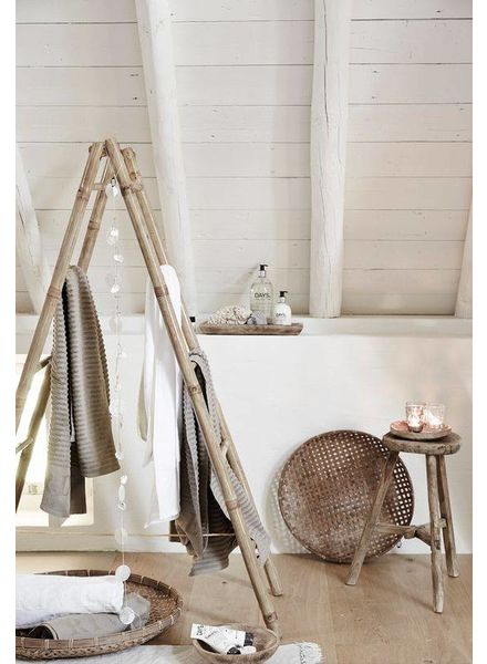 Behomian blend with bamboo, elmwood and soft textile - seen at wonenonline.nl