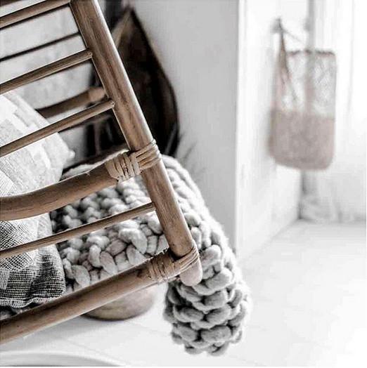 Ultra cosy and stylish: Chunky knit plaids!