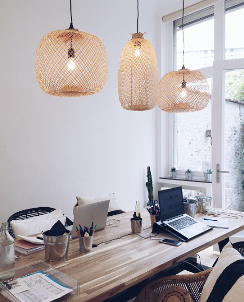 Oh la la ! On adore cette espace de travail calme et cosy, tout en naturel, et spécialement si ce styling a été fait par un de nos clients - vu sur instagram @lescomptoirsdorta