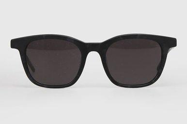 Eine skandinavische in NY Sonnenbrille Bits Of Black