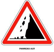 Panneau A19 Risque de chute de pierres ou de présence sur la route de pierres tombées