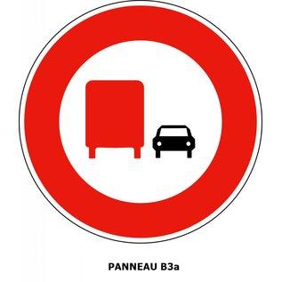 Panneau B3a Interdiction aux poids-lourds de dépasser