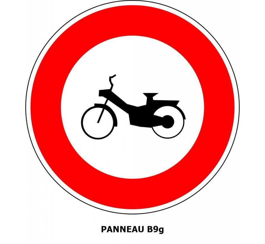Panneau B9g Interdit l'accès aux cyclomoteurs