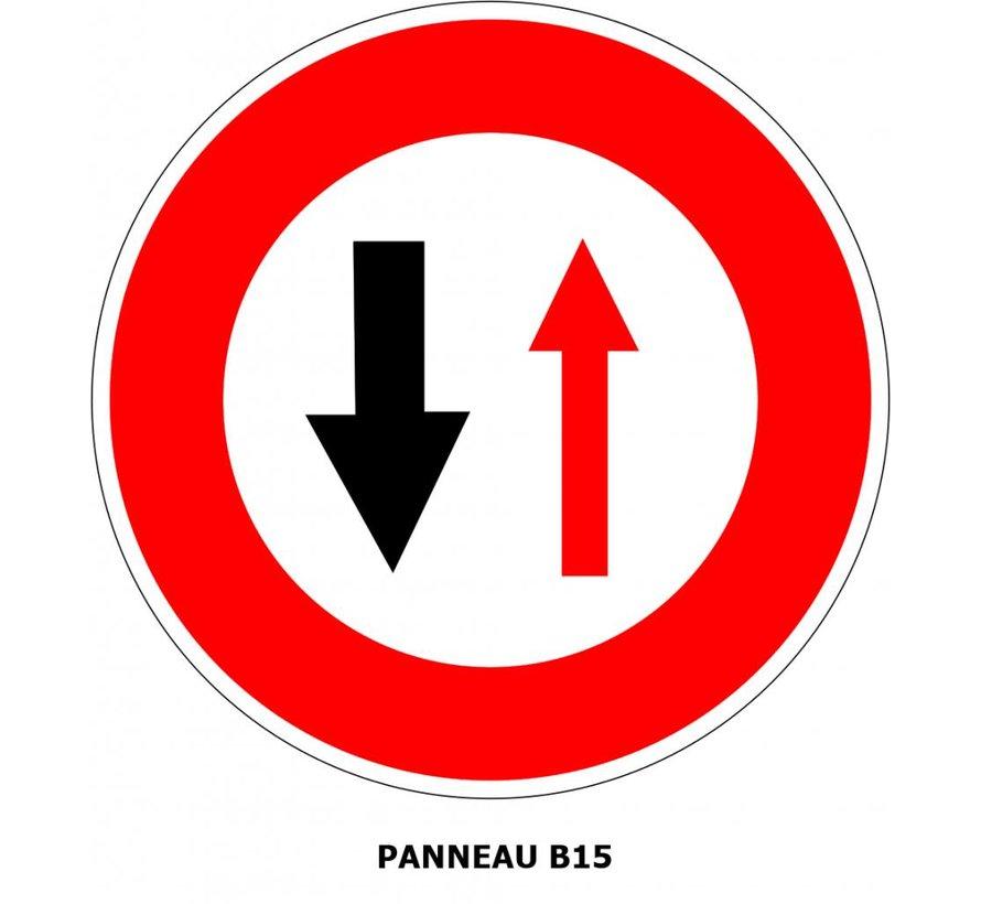 Panneau B15 Cédez le passage à la circulation venant en sens inverse
