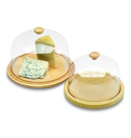 Cheese keeper with plastic tray