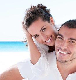 Basis plus tanden bleek behandeling 30 minuten, gemiddeld 4-8 tinten lichter (20 minuten bleken, 10 minuten intake en nabehandeling)