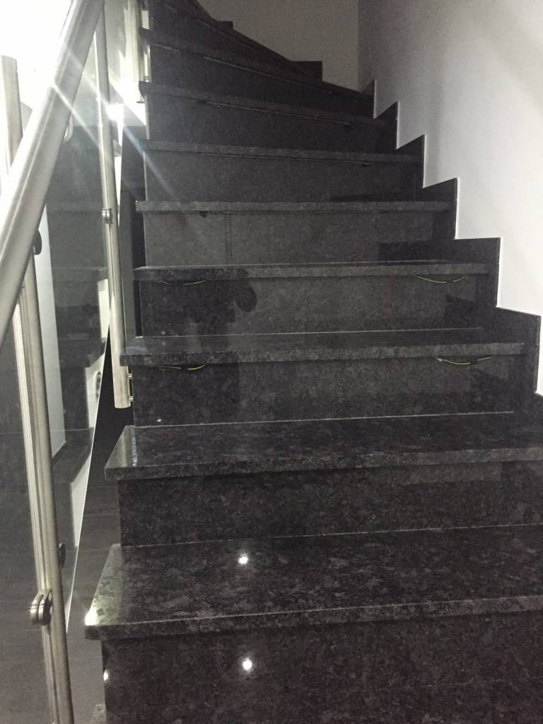 Escalier de granit Pierre naturelle 1/4