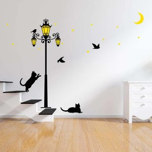 Muursticker glow in the dark straatlantaarn met vogels en poesjes