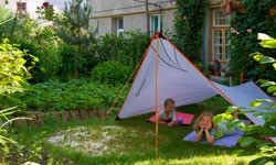Achtertuin Camping