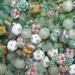 Glaskralenmix. Light Green Fantasy. (mooie kwaliteit ook in 250 gram). 50 gram.