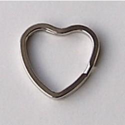 Sleutelring. Hartvormig. 31x32mm. Zilverkleurig.